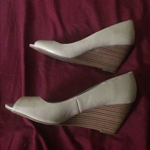 Shoes - Cream Colored Open toe wedges